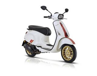Vespa Sprint Racing Sixties 50 4takt Euro 5 25km/45 p/u. Wit
